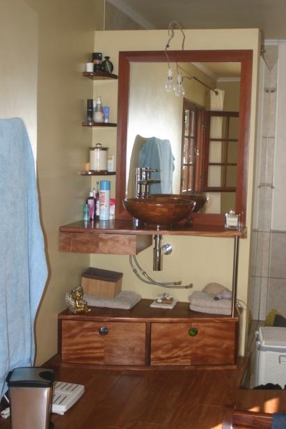 meuble en douka en vasque iroko
