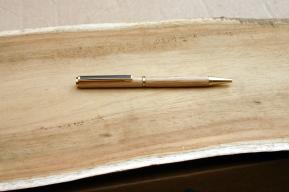 stylo en chêne
