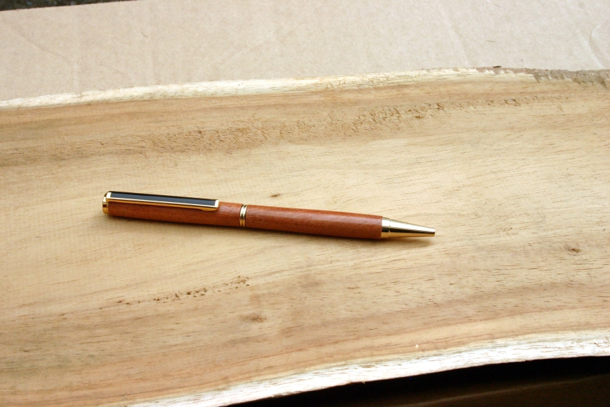 stylo en bois de letchis