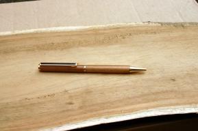 stylo en teck