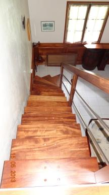 escalier-bois-tournant-marche-balancee-4