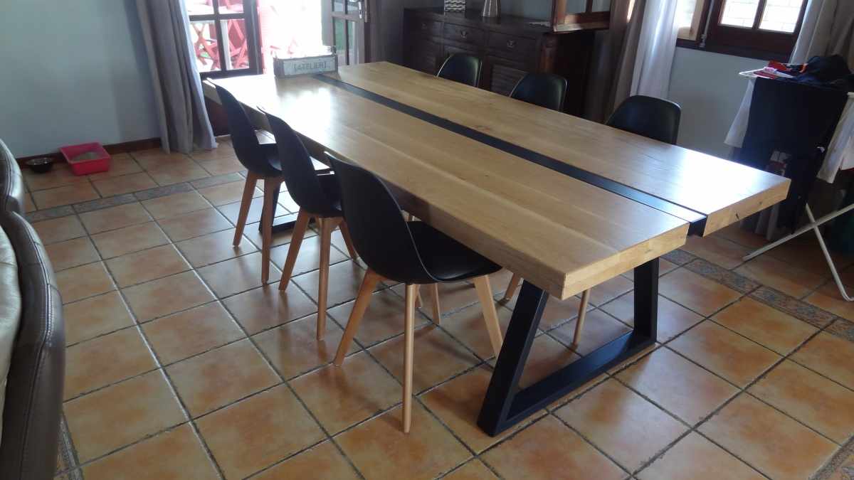 Une table bois metal meuble design cr ation - Table moderne en bois ...